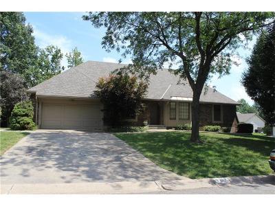 Blue Springs Single Family Home For Sale: 1337 NE Hilltop Drive