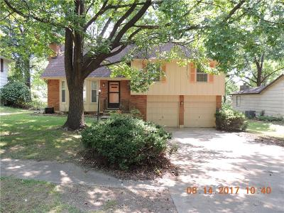 Single Family Home Sold: 8605 Oxford Avenue