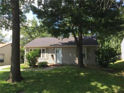 Gladstone MO Single Family Home For Sale: $85,000