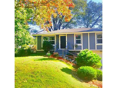 Gladstone MO Single Family Home For Sale: $164,900