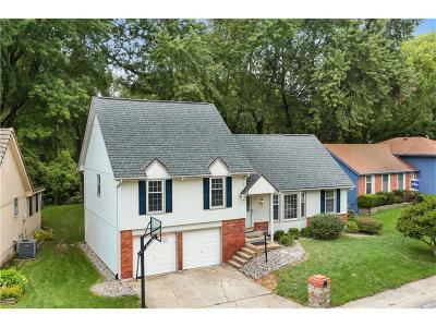 Gladstone MO Single Family Home For Sale: $200,000