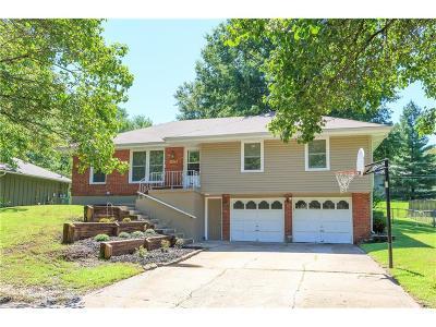 Gladstone MO Single Family Home For Sale: $164,500