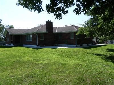 Atchison Single Family Home For Sale: 2112 Main Street