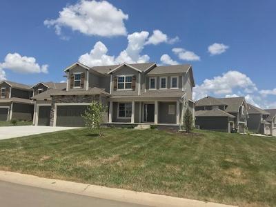 Lenexa Single Family Home For Sale: 9789 Saddletop Street