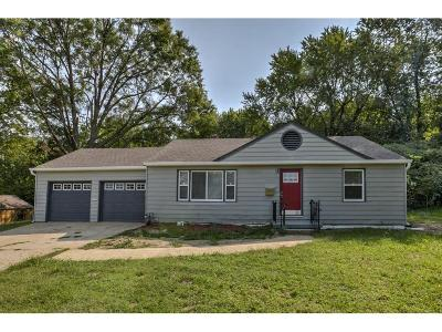 Raytown Single Family Home For Sale: 7919 James A Reed Road
