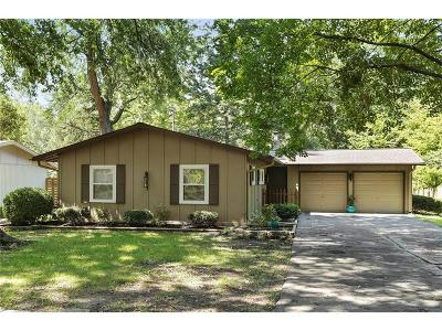 Prairie Village Single Family Home For Sale: 7608 Tomahawk Road