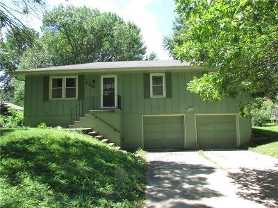 Oak Grove MO Single Family Home For Sale: $80,500