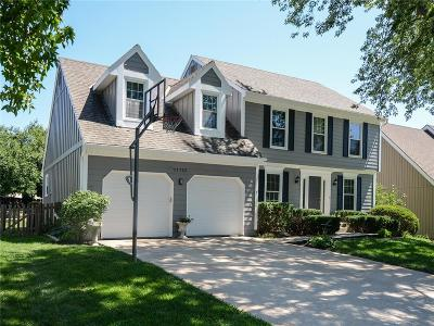 Overland Park Single Family Home For Sale: 11725 Craig Street