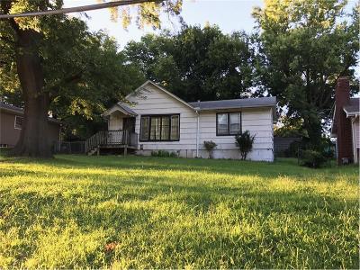 Kansas City Single Family Home For Sale: 4532 Greeley Avenue