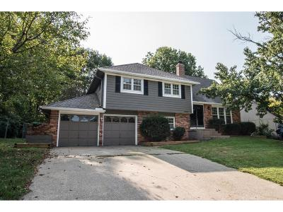 Overland Park Single Family Home For Sale: 9307 Beverly Drive