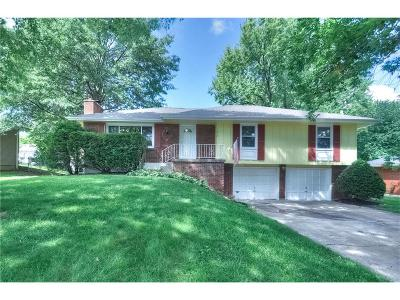 Raytown Single Family Home For Sale: 7612 Englewood Avenue