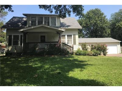Lee's Summit Single Family Home For Sale: 410 SE 5th Street
