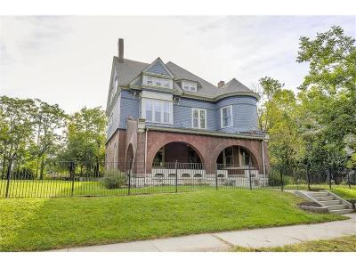 Kansas City Single Family Home For Sale: 3315 Harrison Street