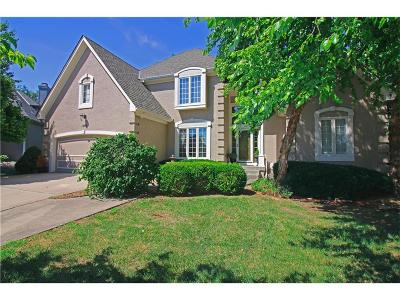 Lee's Summit Single Family Home For Sale: 5516 NE Northgate Court