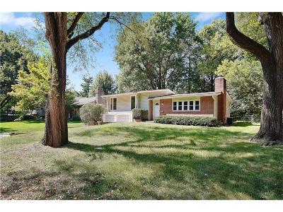 Prairie Village Single Family Home For Sale: 7940 Juniper Street