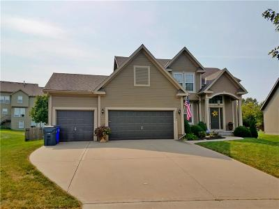 Olathe Single Family Home For Sale: 12241 S Crest Drive