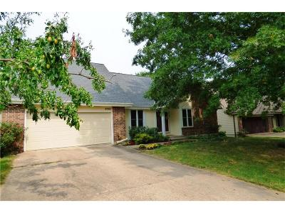 Overland Park Single Family Home For Sale: 9760 W 101st Terrace