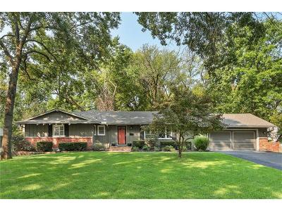 Leawood Single Family Home Show For Backups: 8010 Wenonga Road