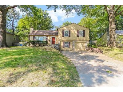 Prairie Village Single Family Home For Sale: 5918 W 75th Terrace