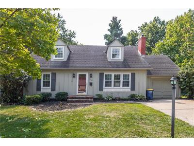 Overland Park Single Family Home Show For Backups: 7621 W 96th Terrace