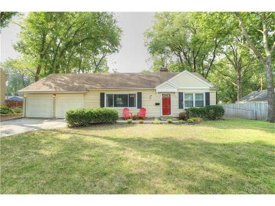 Prairie Village Single Family Home For Sale: 2413 W 79th Street