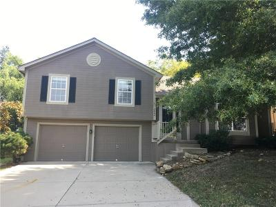 Blue Springs MO Single Family Home For Sale: $169,000