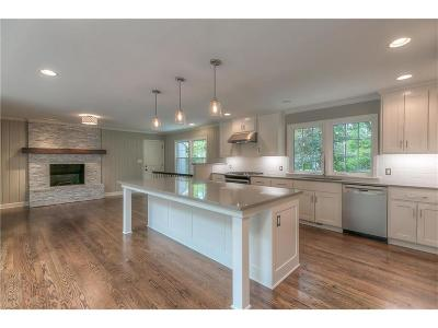 Leawood Single Family Home For Sale: 8435 Sagamore Road