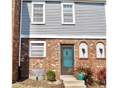 Overland Park Condo/Townhouse For Sale: 10228 W 96th Terrace