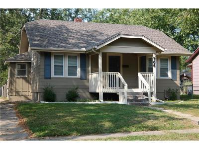 Lee's Summit Single Family Home For Sale: 706 SE Douglas Street