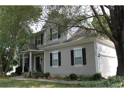 Louisburg Single Family Home For Sale: 1102 N 2nd St East Street