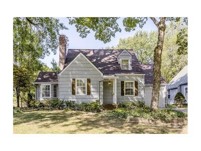 Prairie Village Single Family Home Show For Backups: 6824 Delmar Lane