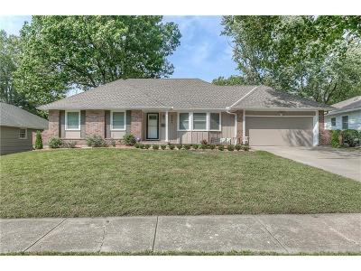 Overland Park Single Family Home For Sale: 9540 Riggs Street