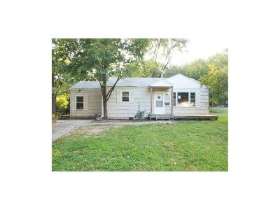 Raytown MO Single Family Home For Sale: $39,000
