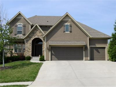Olathe Single Family Home For Sale: 16643 S Marais Drive