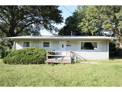 Knob Noster Single Family Home For Sale: 207 N Lincoln Street