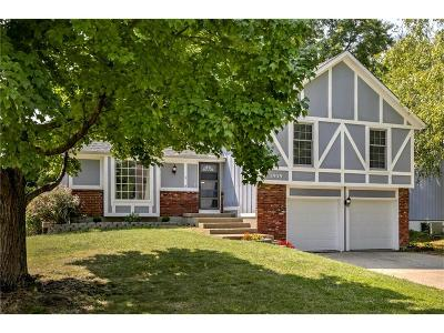 Olathe Single Family Home For Sale: 1939 E Sheridan Bridge Lane