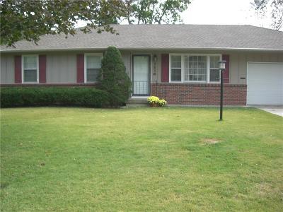 Overland Park Single Family Home For Sale: 7516 Kessler Lane