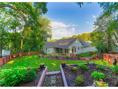 Liberty Single Family Home For Sale: 305 Lancelot Drive