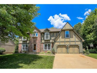 Overland Park KS Single Family Home For Sale: $364,900