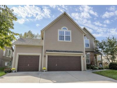 Overland Park Single Family Home For Sale: 7871 W 155th Terrace