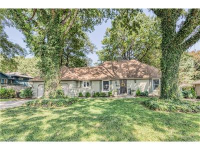 Kansas City Single Family Home For Sale: 8505 Ward Parkway