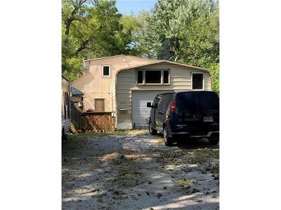Kansas City Single Family Home For Sale: 8008 Ward Parkway Plaza