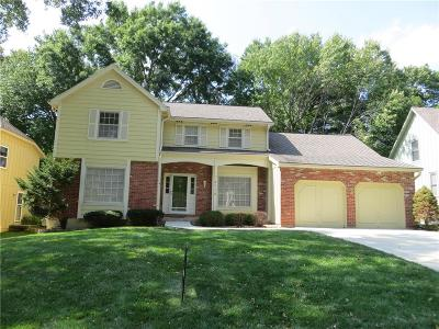 Lenexa Single Family Home For Sale: 8116 Westgate Drive