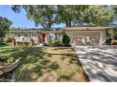 Overland Park Single Family Home For Sale: 8706 W 93rd Terrace