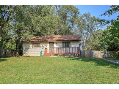 Kansas City Single Family Home For Sale: 11015 N Locust Street