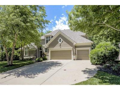 Olathe KS Single Family Home For Sale: $569,900