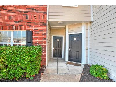 Leawood Condo/Townhouse For Sale: 11604 Tomahawk Creek Parkway #H