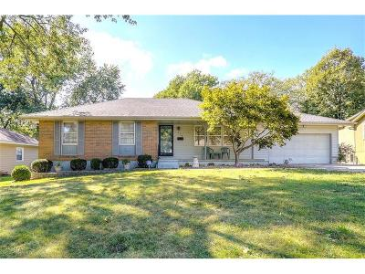 Lee's Summit MO Single Family Home For Sale: $182,000