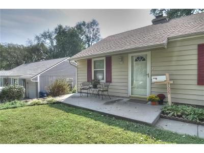Prairie Village Single Family Home For Sale: 2609 W 76th Street