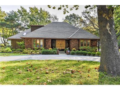 Prairie Village Single Family Home For Sale: 7143 High Drive